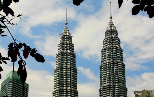 10 THINGS ABOUT MALAYSIA